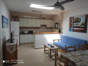 Una cocina o zona de cocina en MAR Y MONTAÑA FORMENTERA
