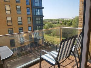 A balcony or terrace at Immaculate 2 bed apartment