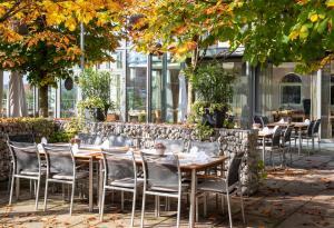 Ein Restaurant oder anderes Speiselokal in der Unterkunft Hotel-Restaurant Ammerhauser