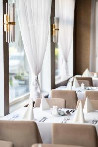 A restaurant or other place to eat at Hotel Ulrika