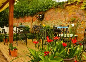 A garden outside The Mill House