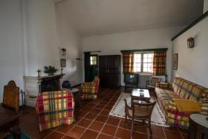 Uma área de estar em Quinta da Fata