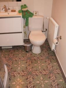 A bathroom at Chambre d'hôtes - Dodo et tartines