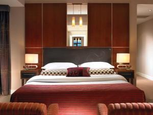 Кровать или кровати в номере The Brehon