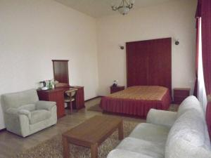 A seating area at Mini Hotel Souz
