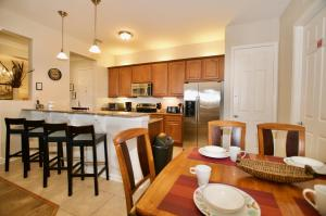 A restaurant or other place to eat at Vista Cay Luxury 3 bedroom condo (#3068)