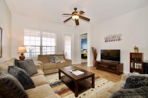 A seating area at Vista Cay Luxury 3 bedroom condo (#3068)