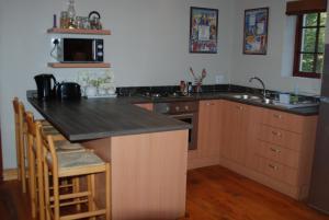 A kitchen or kitchenette at Laragh-on-Hogsback