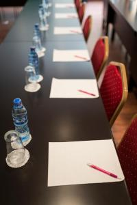 The business area and/or conference room at Mokorro Hotel