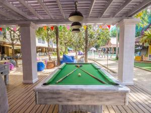 A pool table at Mercure Pattaya Hotel