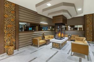 O saguão ou recepção de Qafqaz Tufandag Mountain Resort Hotel