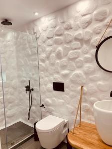 A bathroom at Villa Christine