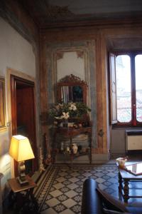 A seating area at B&B Canto Alla Porta Vecchia