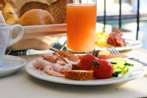 Frühstücksoptionen für Gäste der Unterkunft Hotel Lerch
