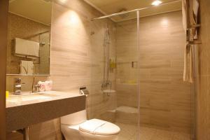 A bathroom at The Cloud Hotel