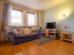 A seating area at Cosy, Compact and Chic 1BD Apt.- With Parking!