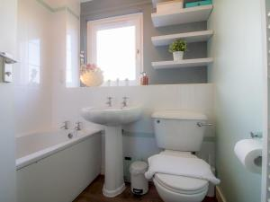 A bathroom at Cosy, Compact and Chic 1BD Apt.- With Parking!