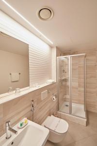 A bathroom at Hotel Běhounek