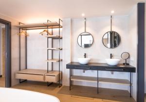 A bathroom at Hotel Cap Negret