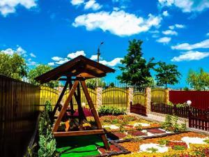 Children's play area at Pensiunea San-Mar