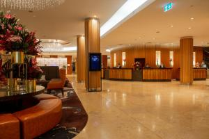 The lobby or reception area at Sofitel Sydney Wentworth