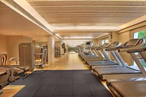 Centrum fitness w obiekcie ITC Maratha Mumbai Airport, A Luxury Collection Hotel