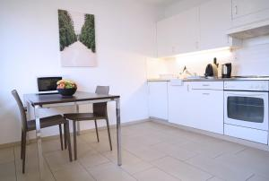 Küche/Küchenzeile in der Unterkunft City Stay Furnished Apartments - Forchstrasse