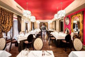 Restauracja lub miejsce do jedzenia w obiekcie Barceló Brno Palace