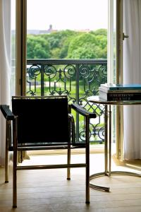 A balcony or terrace at Leopold5 Luxe-Design Apartment