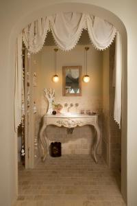 A bathroom at Alodia