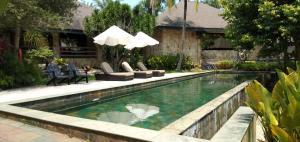 サイバービュー リゾート & スパの敷地内または近くにあるプール