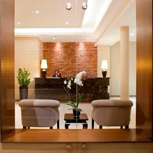 The lobby or reception area at Metropolitan Boutique Hotel