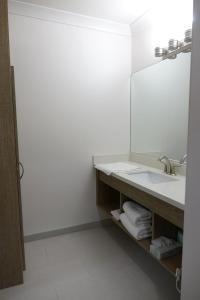 A bathroom at Castle Inn