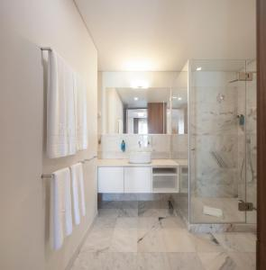 A bathroom at Lisbon Serviced Apartments - Avenida