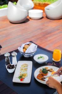 خيارات الإفطار المتوفرة للضيوف في فندق موڤنبيك بيروت
