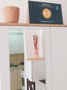 "A kitchen or kitchenette at Apartman""Studio""Brcko"