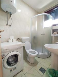 "A bathroom at Apartman""Studio""Brcko"