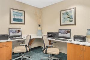 The business area and/or conference room at Candlewood Suites Destin-Sandestin Area