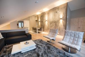 A seating area at Levin Stara Apartments