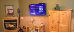 A television and/or entertainment center at Berry Springs Lodge