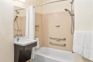 A bathroom at Candlewood Suites Destin-Sandestin Area