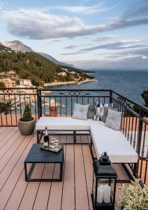 A balcony or terrace at Villa AMore Brela