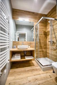 A bathroom at Szafir