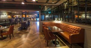 The lounge or bar area at Bonnington Hotel & Leisure Centre