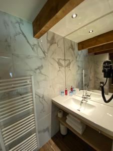 A bathroom at Knechtshuis