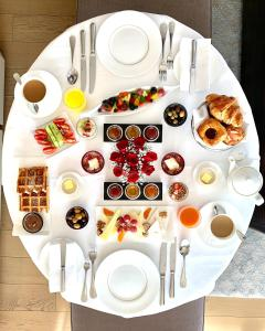 Breakfast options available to guests at Raffles Istanbul