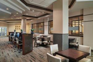 A restaurant or other place to eat at Hilton Grand Vacations on Paradise - Convention Center