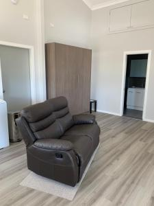 A seating area at Avon View Stays Accommodation.