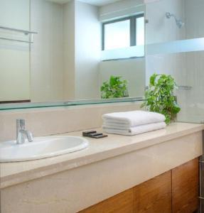 Ванная комната в The Nomad Serviced Residences Bangsar