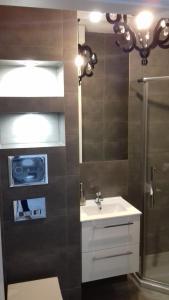 A bathroom at Apartament LUX w centrum Konina